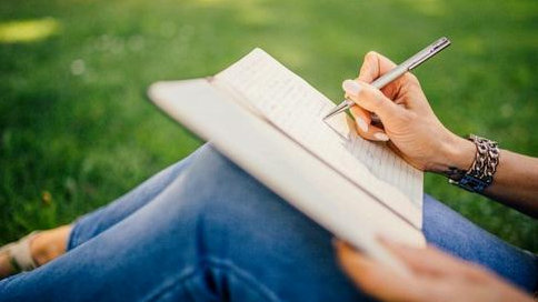 ESSAY写作八本写作宝典